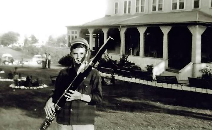 Stan Getz playing the bassoon as a teenager.
